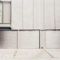 Comment bien choisir une porte de garage ?