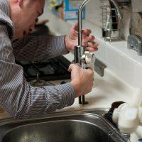 4 astuces ingénieuses pour venir à bout de vos soucis de plomberie